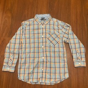 5/20 Tommy Hilfiger plaid button down shirt size 6